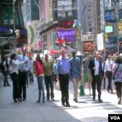 Turisti i gradjani New Yorka ponovo su na Times Square-u