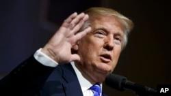 Kandidat Presiden AS dari partai Republik, Donald Trump saat berkampanye di Abingdon, Virginia (10/8).