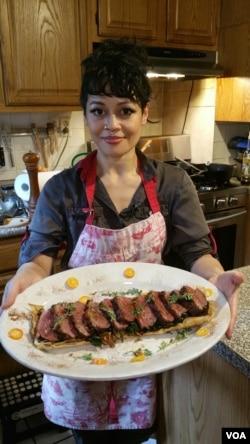 Miranti, pemenang Cooks vs Cons, dan hasil karyanya.