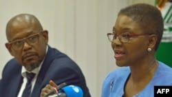 UN emergency relief coordinator, Valerie Amos (R) and UNESCO special envoy for peace and reconciliation, Forest Whittaker give a press conference about the situation in South Sudan, on Feb. 9, 2015 in Nairobi.