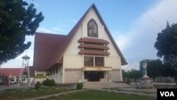Gereja Katolik Santa Maria di Palu, Sulawesi Tengah (Foto: VOA/Yoanes Litha).