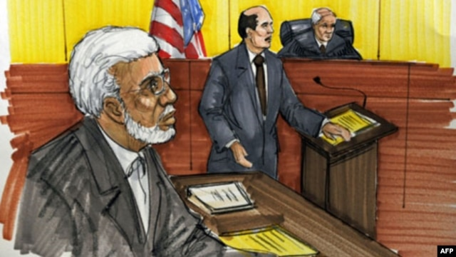 Dalam gambar sketsa pengadilan ini, nampak Tahawwur Rana, pebisnis kelahiran Pakistan yang dituduh mendukung gerakan teroris di AS, tengah disidang di pengadilan federal di Chicago (Foto: dok).