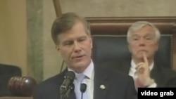 维吉尼亚州州长鲍勃·麦克唐纳