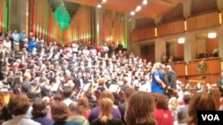 "Orkestra Handel Messiah saat tampil di pusat seni ternama di Washington DC, ""Kennedy Center""."