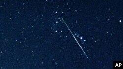 Што остави трага на небото близу Лос Анџелес?