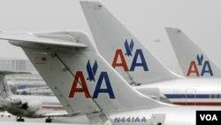 Más de 400 vuelos habrían sido cancelados y decenas más sufrido retrasos.