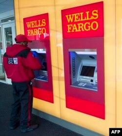Kiber-cinayətkarlar tez-tez insanların bank hesablarını hədəf alırlar.
