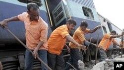 بھارت: ریلوے حادثوں میں سالانہ 15 ہزار ہلاکتیں