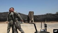 美军设想用更多机器人代替大兵参战