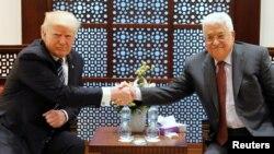 အေမရိကန္ သမၼတ Donald Trump နဲ႕ ပါလက္စတိုင္း သမၼတ Mahmoud Abbas တို႔ ေတြ႔ဆံုေဆြးေႏြး။ ေမလ ၂၃ ရက္ ၂၀၁၇။