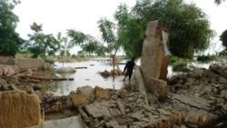 Les victimes des inondations reçoivent de l'aide humanitaire
