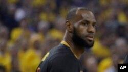 La star de l'équipe LeBron James de Cleveland Cavaliers, 12 jui 2017.