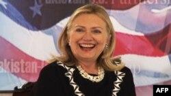 Klinton konfirmon takimin e zyrtarëve amerikanë me përfaqësues të grupit Hakani