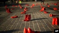 Инсталляция по случаю Международного дня борьбы с насилием в отношении женщин. Брюссель, 25 ноября 2019