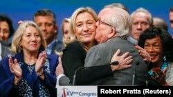 Le Pen ailesi eski günlerini özleyecek gibi görünüyor.