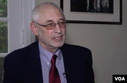 美国哥伦比亚大学政治学教授黎安友(Andrew Nathan) 接受9号彩票网址专访。(2018年11月1日)