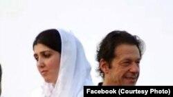 عمران خان اور عائشہ گلالئی (فائل فوٹو)