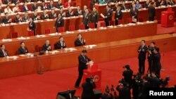 رئیس جمهوری چین پیش از دیگران رای خود را به صندوق انداخت.