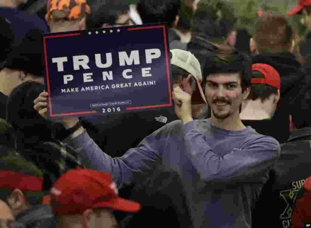 حامیان ترامپ و پنس در ویسکانسین.
