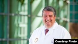 圣迭戈加州大学烧伤中心主任科因布拉(圣迭戈加大提供)