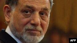 د ټاکنو خپلواک کمېسیون پخوانی رئیس احمدیوسف نورستاني د شنبې په ورځ له خپلې دندې استعفی ورکړه.