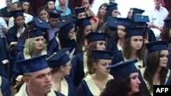 Shqipëri: Punësimi për mijëra të rinj që përfundojnë studimet universitare