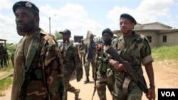 Pantai Gading kini harus menghadapi terpecahnya militer nasional, termasuk para milisi 'Komando Siluman' pimpinan Ibrahim Coulibaly yang tak mendukung Alassane Ouattara.