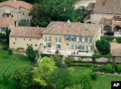 Chateu Miraval di Perancis, salah satu rumah mewah milik pasangan ini. Di sinilah Brangelina mengikat janji.