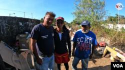 La Voz de América conversó en Nicaragua con una familia de cuatro hijos que improvisó una vivienda a la orilla del basurero, donde con suerte obtienen su alimento.(Foto: Houston Castillo - VOA)