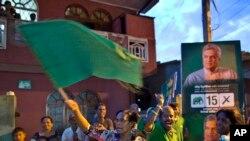 18일 스리랑카 콜롬보에서 여당인 통일국민당 지지자들이 총선 결과에 환호하고 있다.