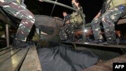 Một xe chở thi thể lính Philippines thiệt mạng khi giao chiến với Abu Sayyaf ở miền trung Philippines (ảnh tư liệu, 4/2017)