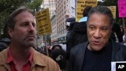 دو تن از مظاهره کنندگان شهر نیویارک