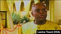 Remis Dandjinou, porte-parole du gouvernement, au Burkina Faso, le 4 avril 2019. (VOA/Lamine Traoré)