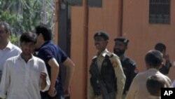 پرتاپ بم دستی بر قنسولگری عربستان در پاکستان