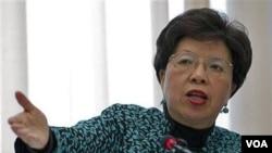Margaret Chan, directora de la OMS, explica las estrategias de prevención de la malaria en la sede de la organización en Génova.