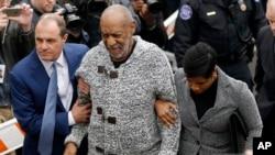 Ông Bill Cosby đến toà để nghe luận tội, 30/12/2015.