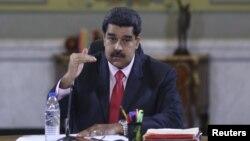 El presidente venezolano, Nicolás Maduro, acusa al presidente estadoundiense, Barack Obama, de dirigir un nuevo intento de dominación en la región.