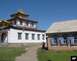 乌兰乌德市郊外的佛教寺庙