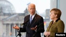 Mataimakin shugaban Amurka, Joe Biden da shugaban Jamus Angela Merkel.
