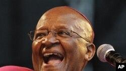 南非大主教圖圖星期天在德班的一次有關氣候問題的集會上發表講話