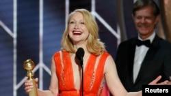 Patricia Clarkson 'Sharp Objects'teki rolüyle Altın Küre aldı