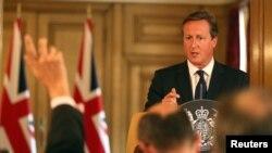 Thủ tướng Anh David Cameron trả lời họp báo ở Downing Street, trung tâm London, 29/8/2014.