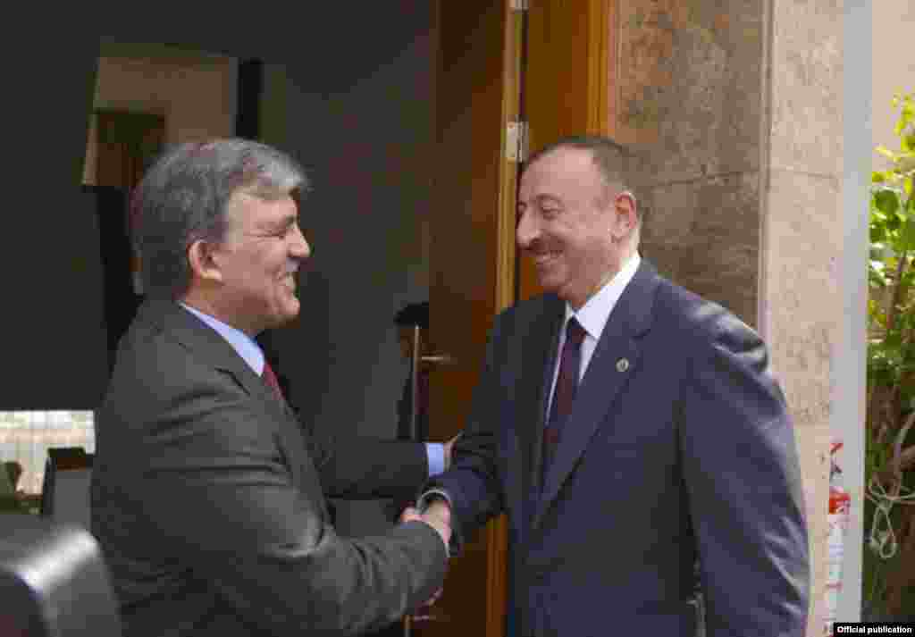 Azərbaycan prezidenti İlham Əliyev və Türkiyə prezidenti Abdulla Gül