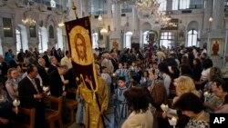 Служба в сирийской православной церкви в Дамаске, Сирия. 15 апреля 2012 г.