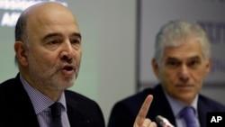 Le Commissaire européen aux Finances, Pierre Moscovici, s'exprime lors d'une conférence de presse à Athènes, le 29 novembre 2016.