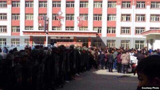 Tibétains en Labrang Sangchu de la province du Kansu (Source de la photo: Tibettimes.com)