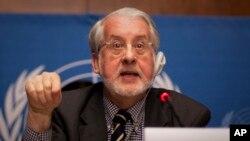 """Ông Paulo Pinheiro, Chủ tịch Ủy ban Ðiều tra Liên Hiệp Quốc cho biết: """"Nhiều xác bị co quắp, gần như tất cả đều mang các vết tích bị hành hạ khủng khiếp..."""""""
