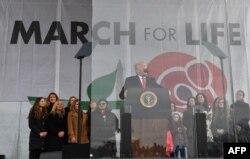 Presiden Donald Trump menghadiri pawai para aktivis anti-aborsi di Washington, D.C., 24 Januari 2020.