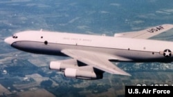 """""""Боинг"""" OC-135B, принадлежащий ВВС США, осуществляет наблюдение в рамках Договора по открытому небу."""