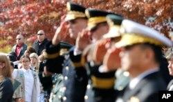 2015年11月11日退伍军人纪念日仪式在韩国首尔第8集团军战争纪念馆前举行。